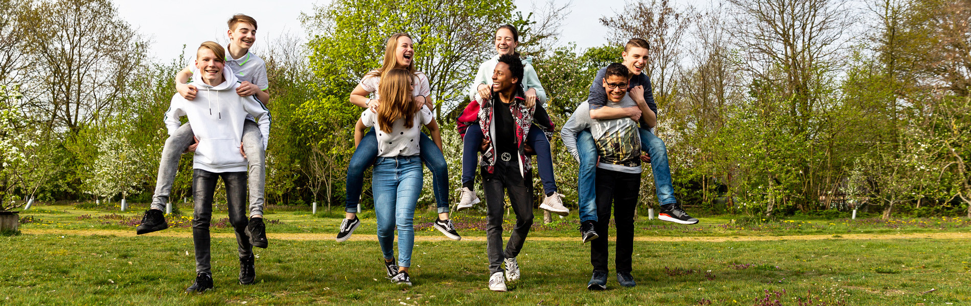 Aeres VMBO Ede leerlingen samen in leefpark