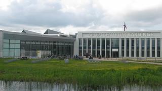 Kardingerplein voorkant Sportcentrum Kardinge